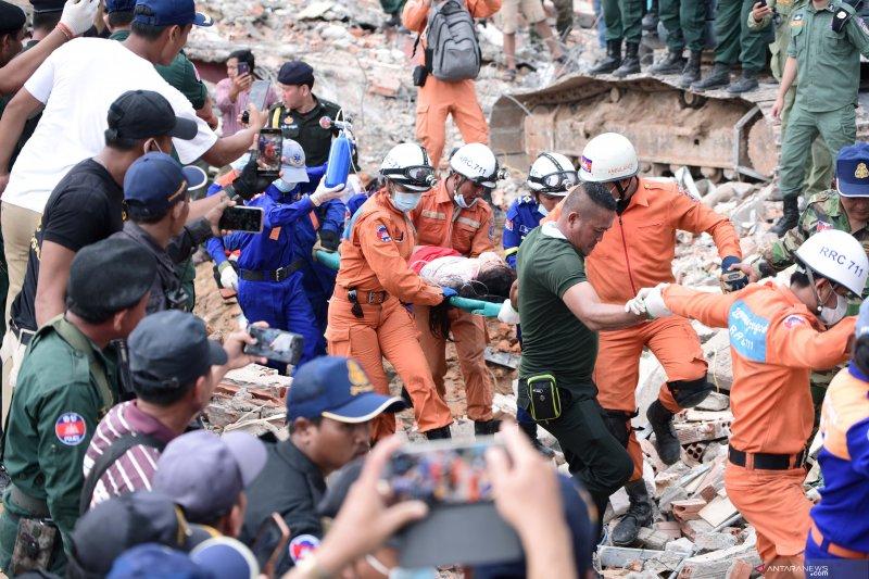 Korban bangunan runtuh di Kamboja jadi 18 tewas, 24 cedera