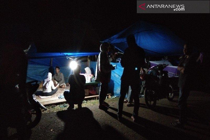 Pengungsi banjir di Konawe Utara enggan pulang ke rumah karena trauma