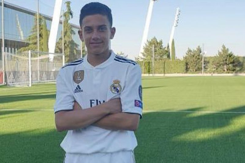 Putra mendiang Reyes bergabung ke Madrid