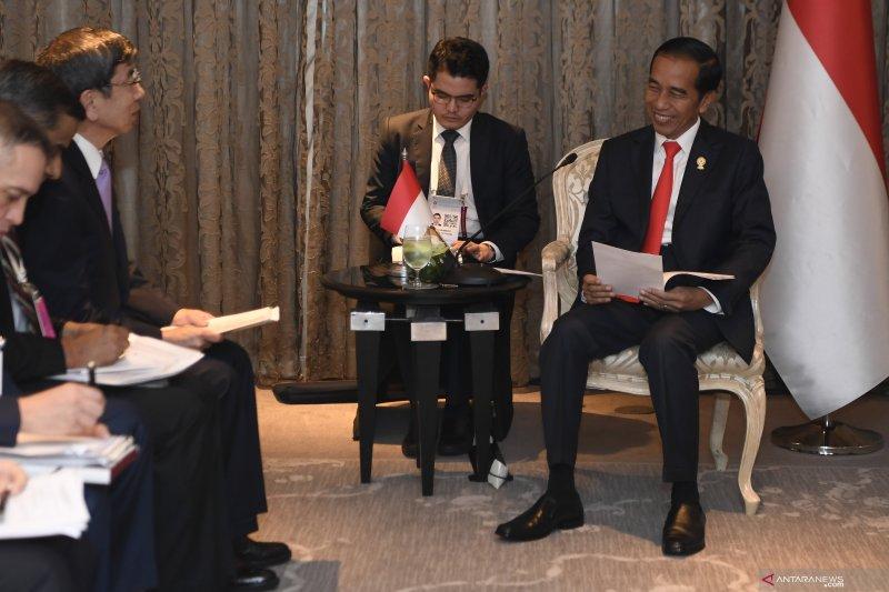Presiden Jokowi bertemu Presiden ADB