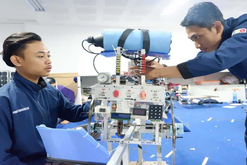 Kontes robot nasional diikuti 64 perguruan tinggi