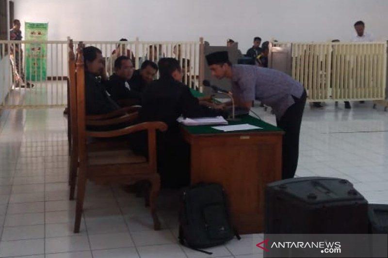 Wasit PSSI Nurul Safarid dituntut hukuman 18 bulan penjara