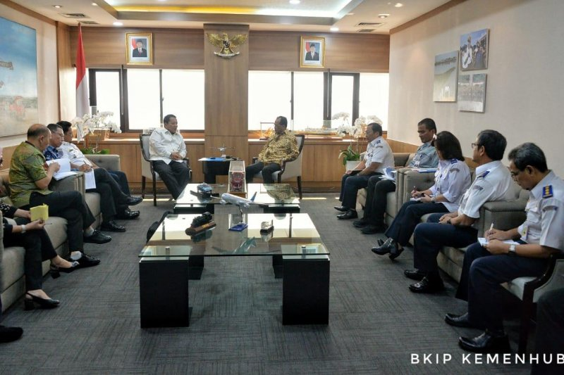 Gubernur Lampung dan Menhub bahas jalur KA batu bara
