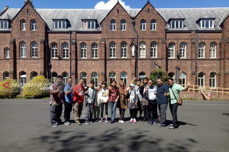 Catatan perjalanan Tim Delegasi Pendidikan Surabaya ke Liverpool