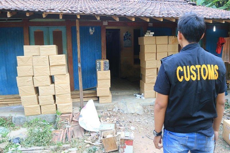 Bea Cukai amankan rokok ilegal dari lima desa di Jepara