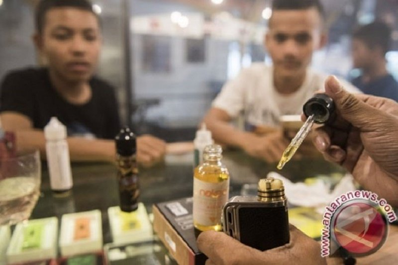 AS selidiki penyakit paru-paru terkait rokok elektrik