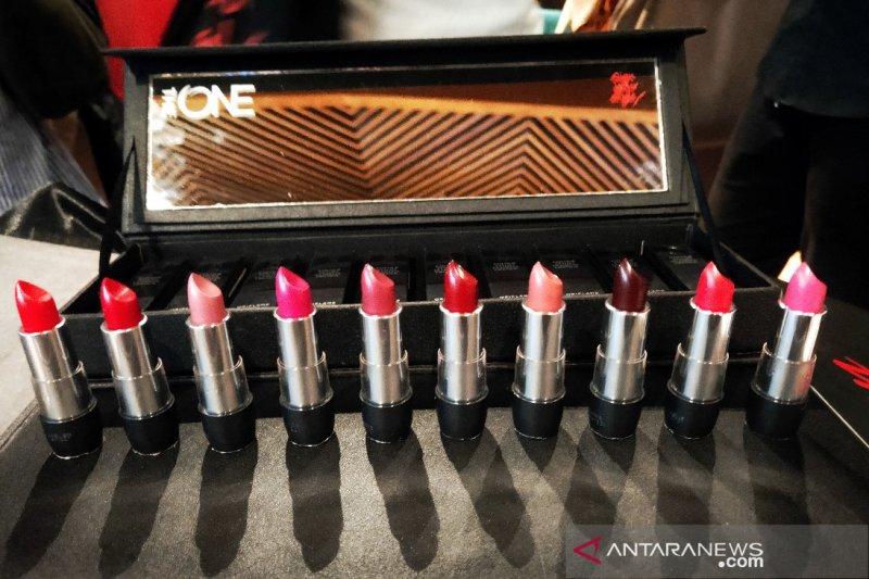 Cara pilih dan pakai lipstik untuk bibir tipis