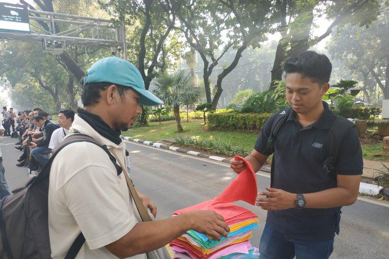 Tukang Handuk Ketiban Rezeki Nomplok Saat Halalbihalal 212 di Gedung MK