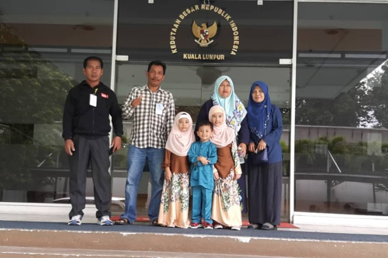 Tiga anak WNI terlantar di Kuala Lumpur dipulangkan ke Medan