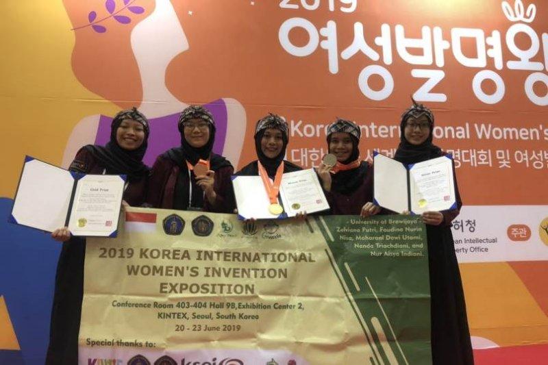 Greenola Mahasiswa Universitas Brawijaya raih tiga medali di Korsel