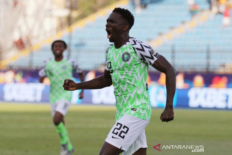Nigeria tim pertama ke 16 besar, setelah menang tipis atas Guinea