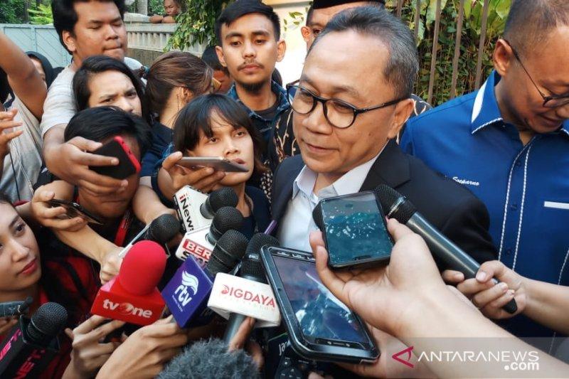 Zulkifli tinggalkan kediaman Prabowo untuk temui ulama