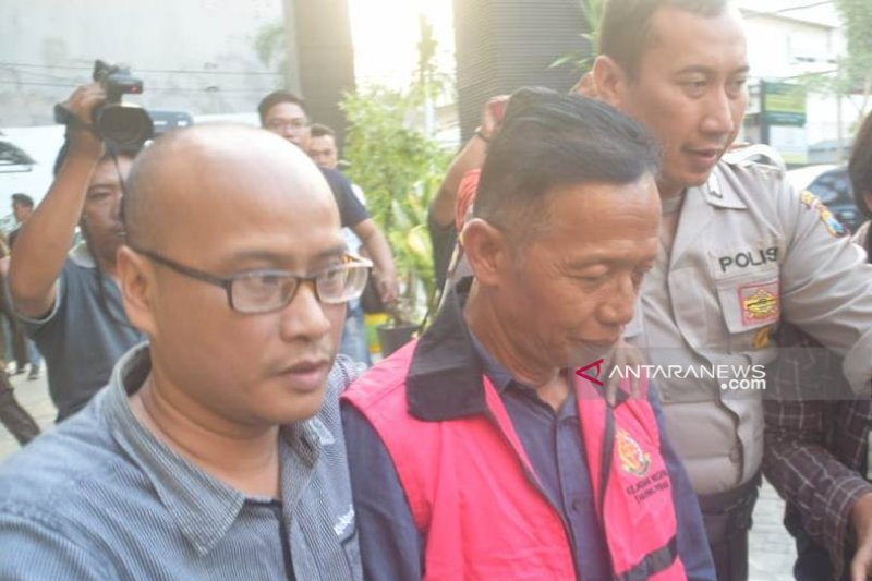 Kejari Tanjung Perak tahan anggota DPRD Surabaya karena diduga korupsi