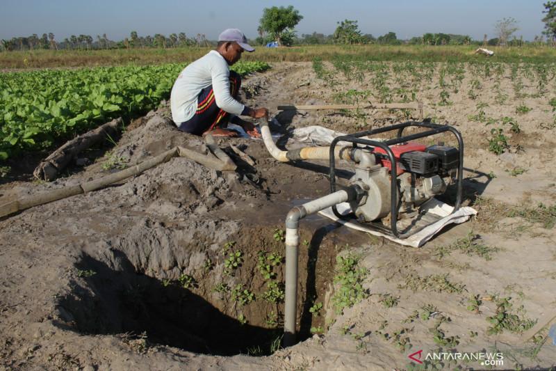 Warga Baturaja OKU bangun sumur bor penuhi  kebutuhan air bersih