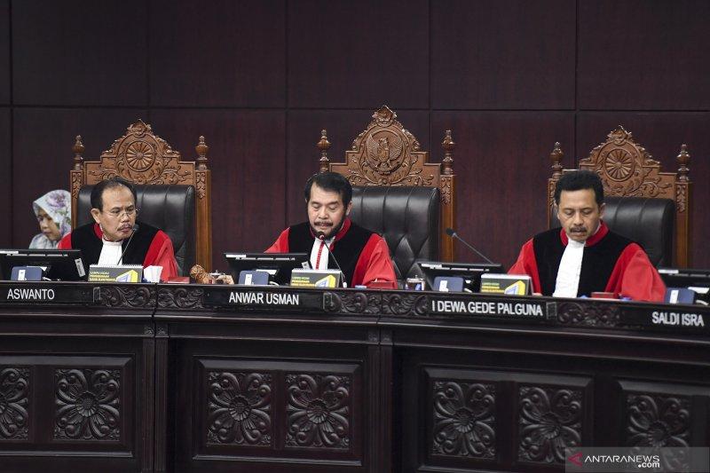 Mahkamah Konstitusi tolak gugatan Prabowo-Sandi