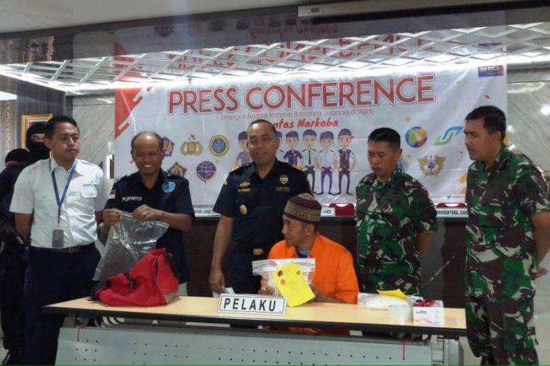 BC Juanda gagalkan penyelundupan 815 gram sabu dari Malaysia