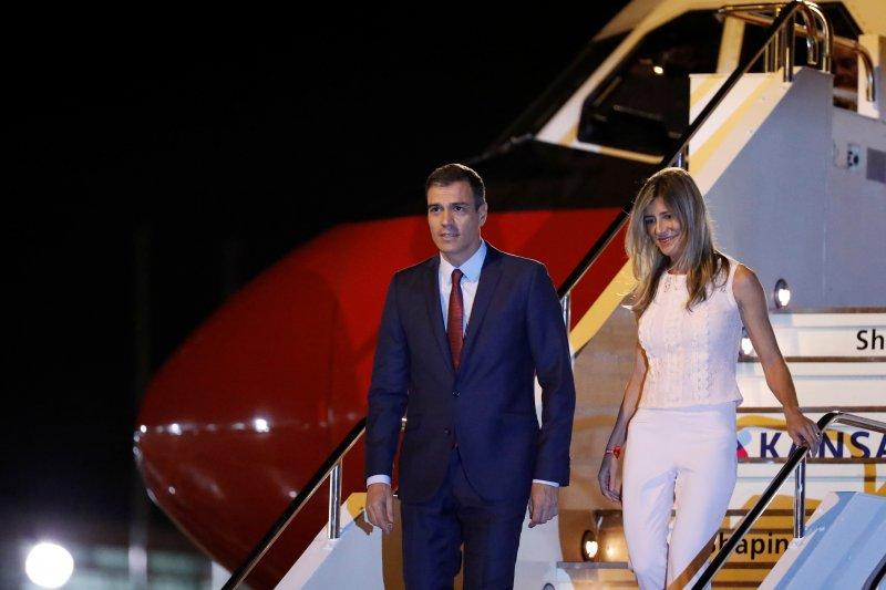 PM Spanyol kunjungi polisi yang terluka akibat aksi protes