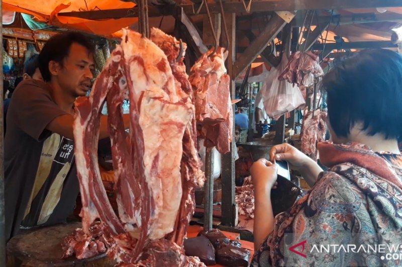Harga daging sapi di Pasar Kebayoran Lama Rp130.000 per kilogram