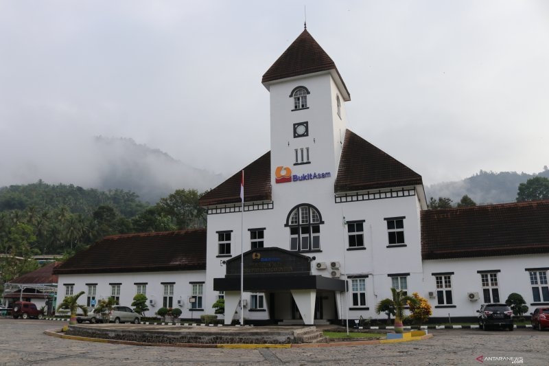 Sawahlunto  is a candidate for the Unesco world heritage site