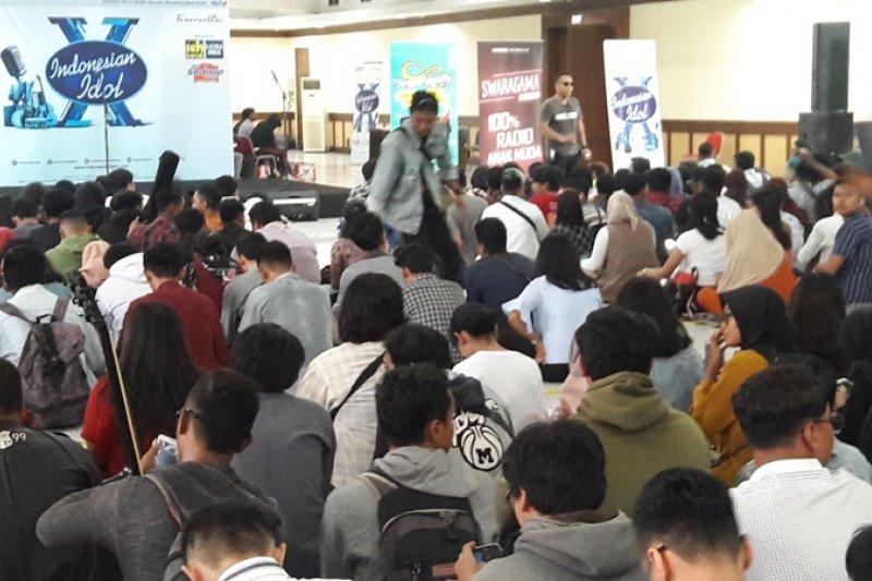 Ribuan orang mengikuti audisi Indonesian Idol di Yogyakarta
