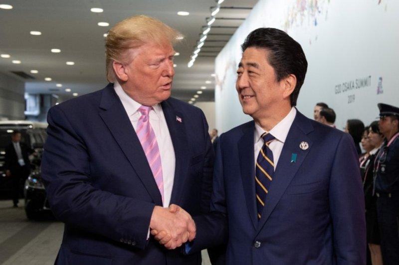 Presiden Trump minta PM Abe borong produk pertanian