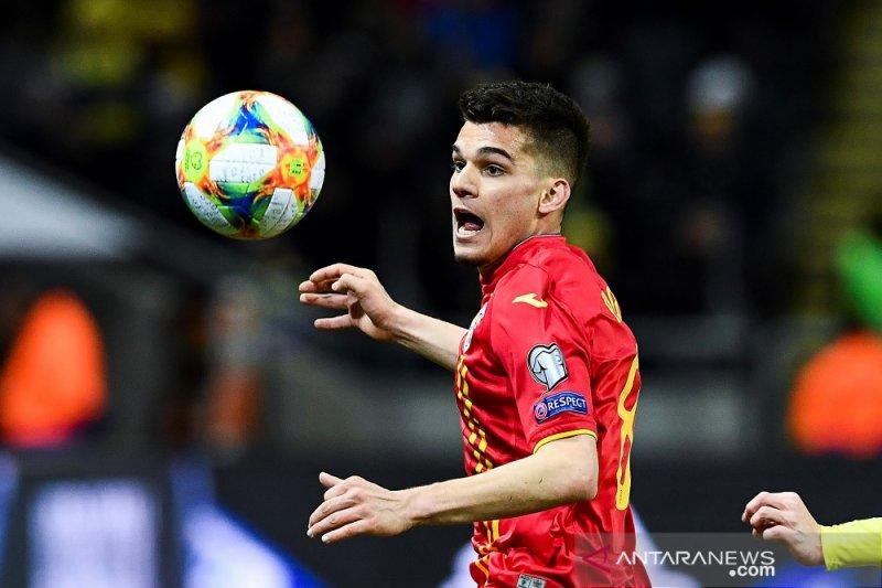 Barcelona siap rebut putra legenda Rumania Gheorghe Hagi