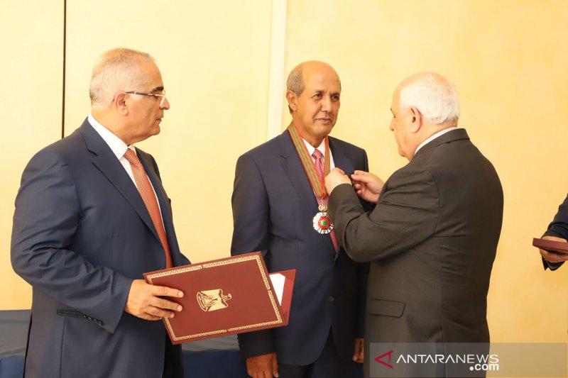 Dubes RI di Jenewa terima Tanda Bintang Jasa Presiden Palestina