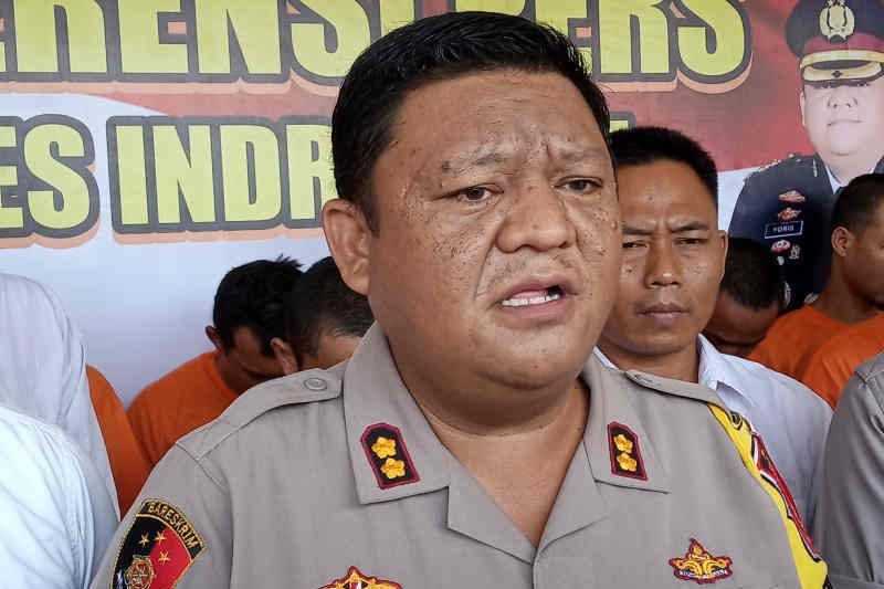Tujuh orang meninggal ditabrak kereta api di Indramayu