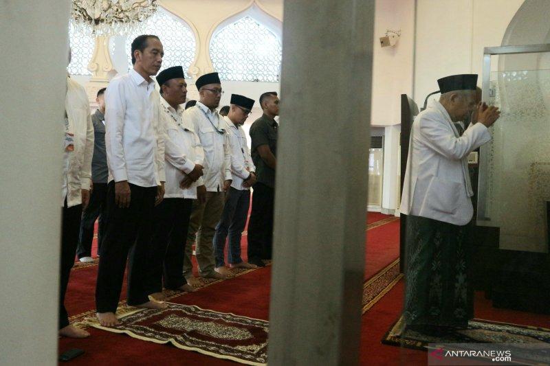 Sebelum ke KPU Jokowi-Ma'ruf salat Ashar berjamaah