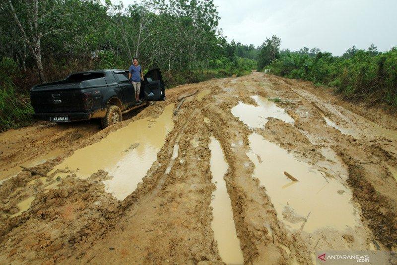 Jalan perbatasan RI-Malaysia di Sintang-Kalbar diusulkan jalan negara