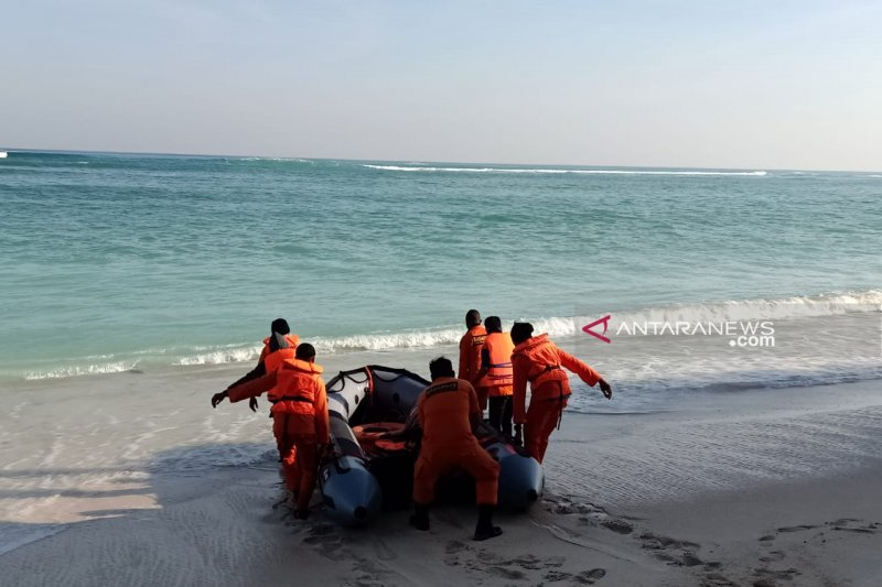 Perahu tenggelam satu nelayan hilang di Sumba Barat Daya