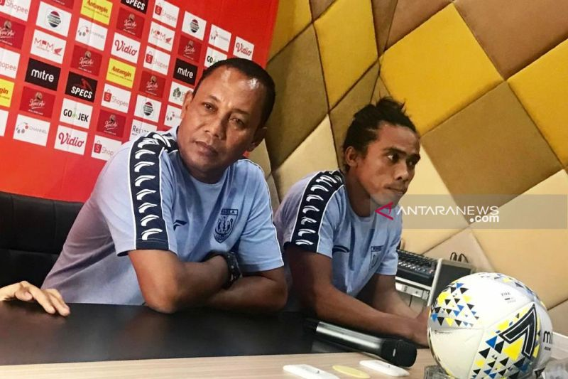 Aji Santoso mundur sebagai pelatih Persela, pemain kaget