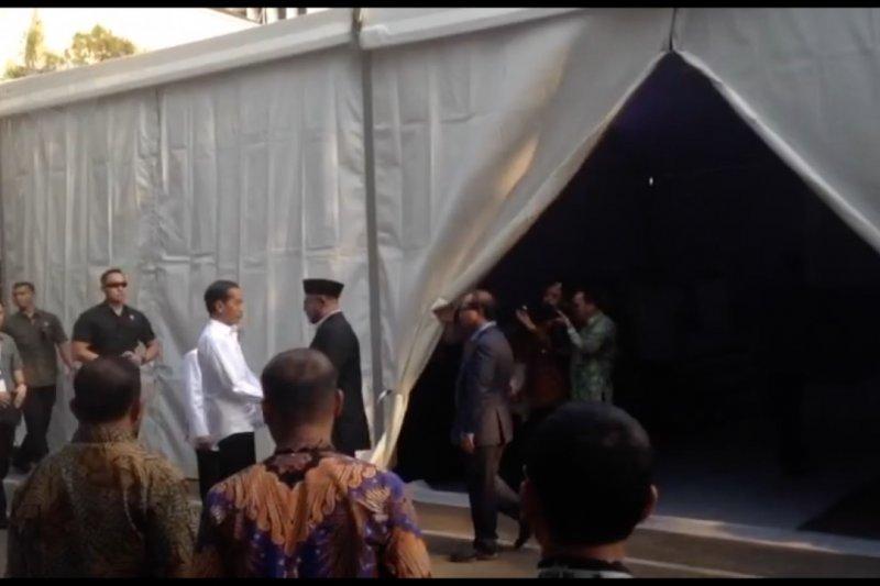Jokowi-Ma'ruf Amin tiba di KPU