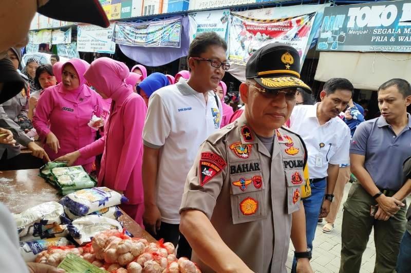 Bulog-Polda Sulbar gelar penetrasi pasar peringati HUT Bhayangkara ke-73