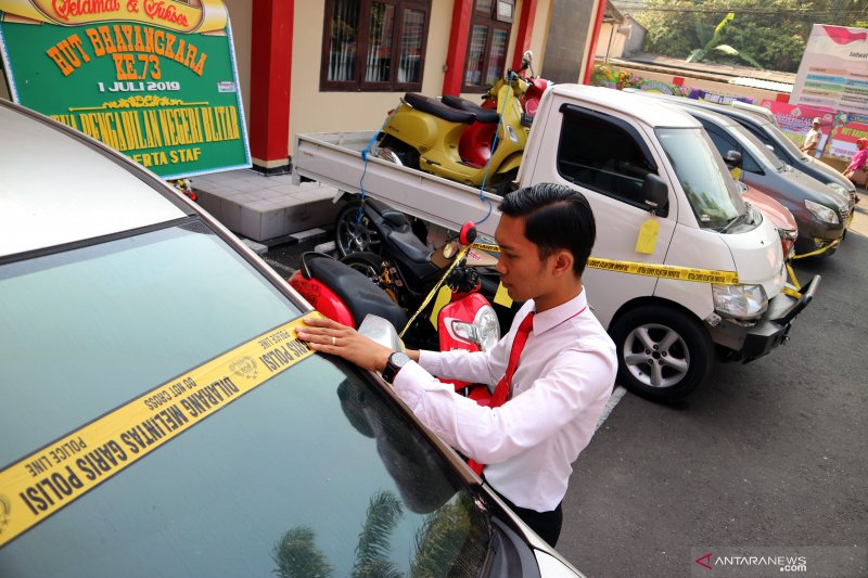 Kasus sindikat pemalsu dokumen kendaraan