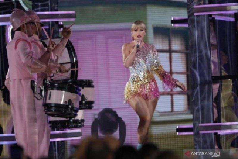 Taylor Swift sebut manajer Justin Bieber, Scooter Braun manipulatif