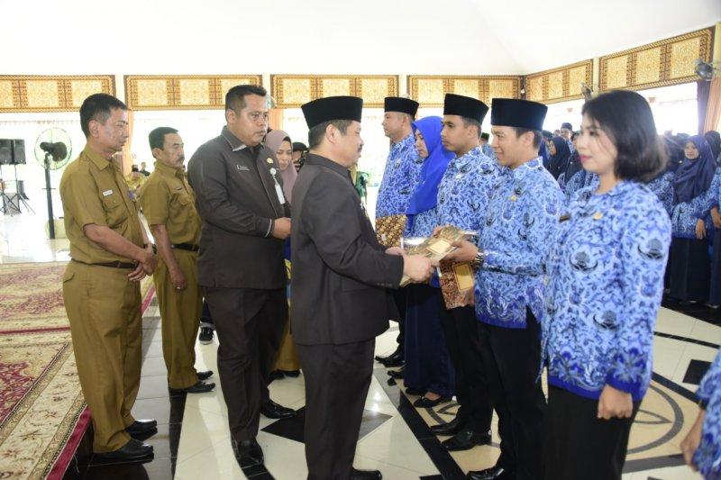 Jokowi keluarkan Tunjangan PNS Fungsional Kataloger