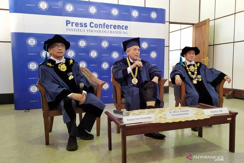 Mantan Presdir Astra dianugerahi gelar doktor kehormatan dari ITB