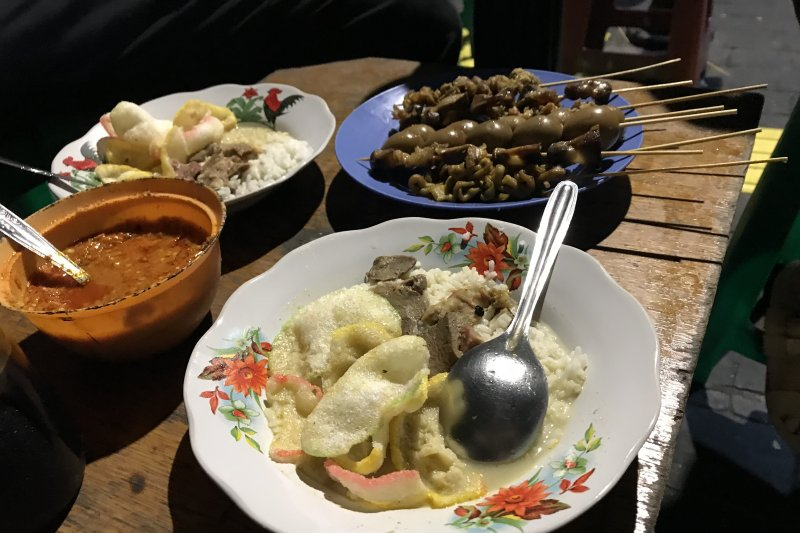 Gulai gultik, sajian kuliner malam hari di Jakarta