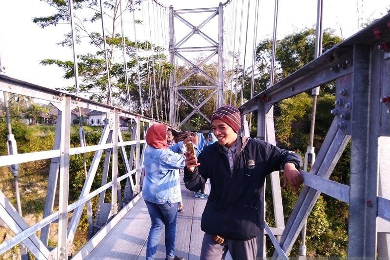 Jangan lupa ke Jembatan Jokowi ketika Festival Lima Gunung