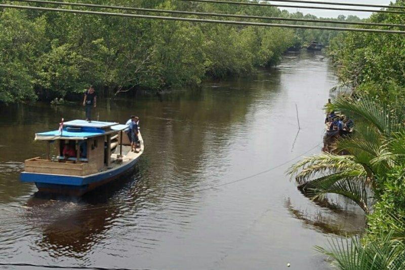 Ibu dua anak terjun ke Sungai Rawa Siak belum ditemukan