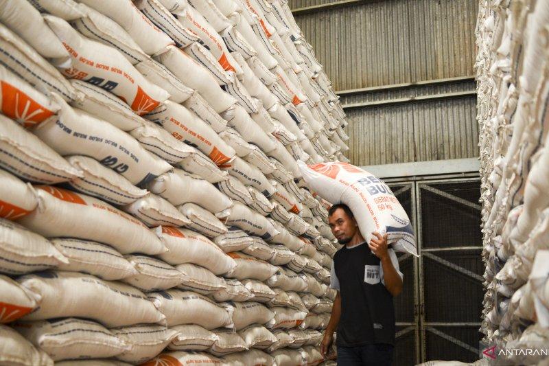 Belum ada daerah kekeringan butuh cadangan beras pemerintah