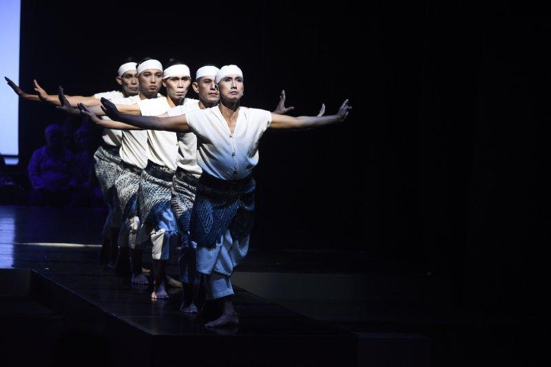 """""""I La Galigo"""", Teater dari sastra klasik Sulawesi Selatan """"Sureq Galigo"""""""