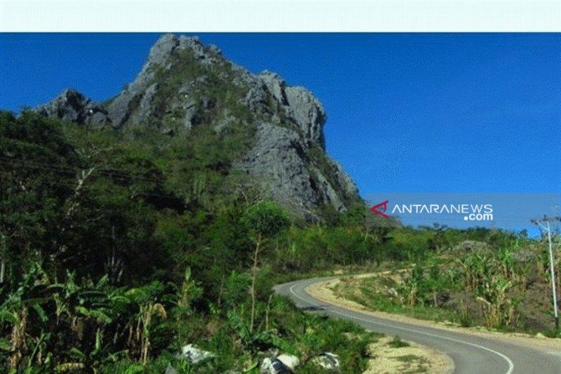 Atraksi budaya sambut 2000 pengusaha di gunung Fatuleu