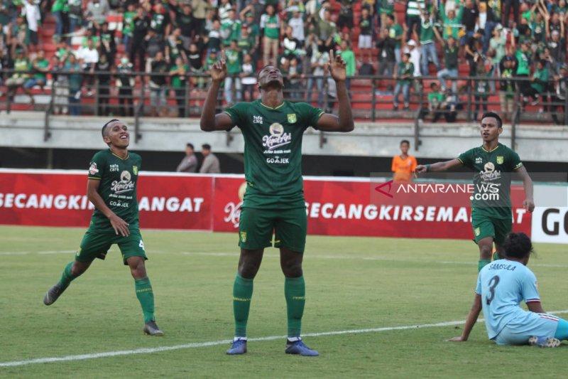 Persebaya tundukkan Persib Bandung 4-0