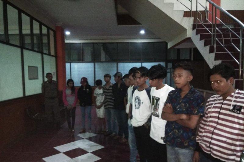 Meresahkan, Satpol-PP Payakumbuh amankan 20 remaja di kawasan pasar