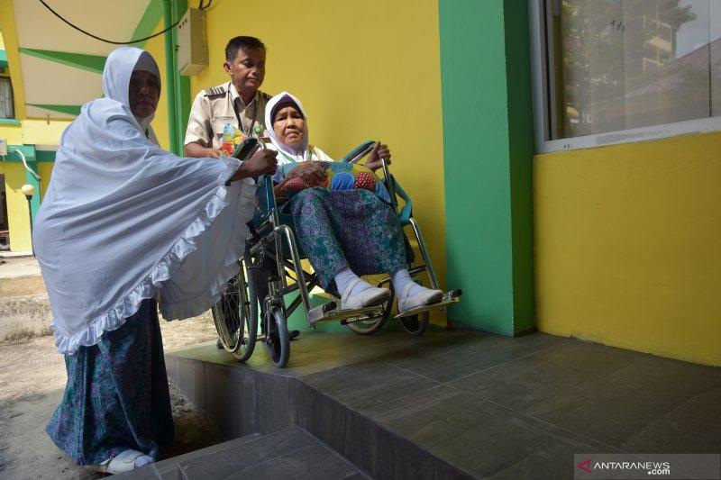 Kloter 9 calhaj Riau masuk asrama Embarkasi Haji Antara