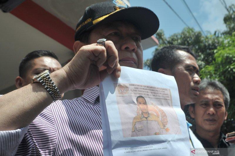 Anggota Polresta Palembang tangkap dua tahanan Rutan Pakjo yang kabur