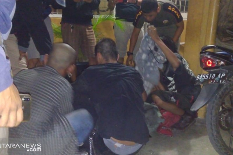 Orang tak dikenal serang Kantor Satpol PP Padang