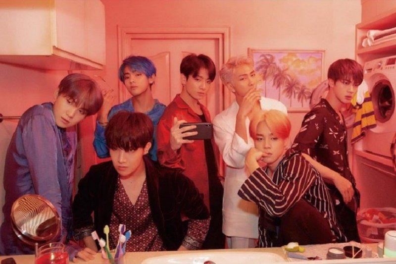 BTS menduduki posisi  tangga lagu Oricon Jepang